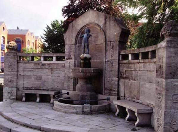 Bronzeskulptur Lüder-Krüder Brunnen, Bremerhaven, Modelliert und gegossen von Statuarius, Wachausschmelzverfahren, Silciumbronze